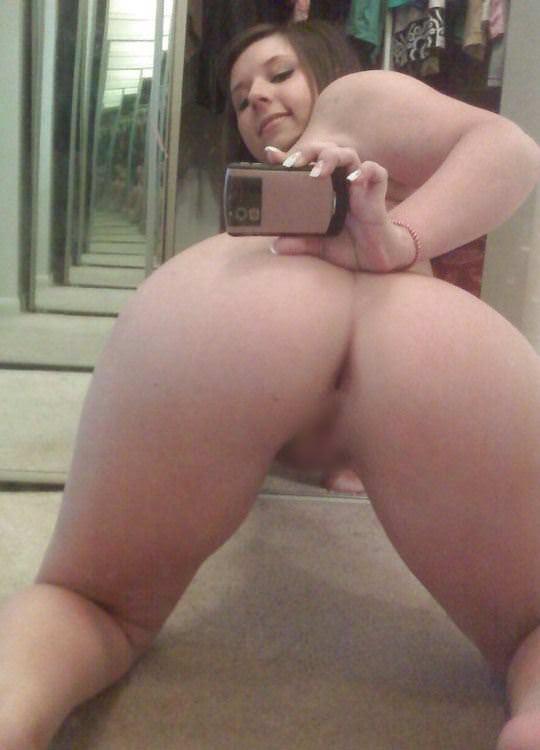 【外人】まんまるで張りのあるお尻が超魅力的な素人の自画撮りポルノ画像 2118