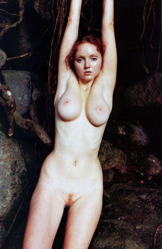 【外人】イギリス人モデルのリリー・コール(Lily Cole)が赤毛のロリ少女の様なヘアヌードポルノ画像 218