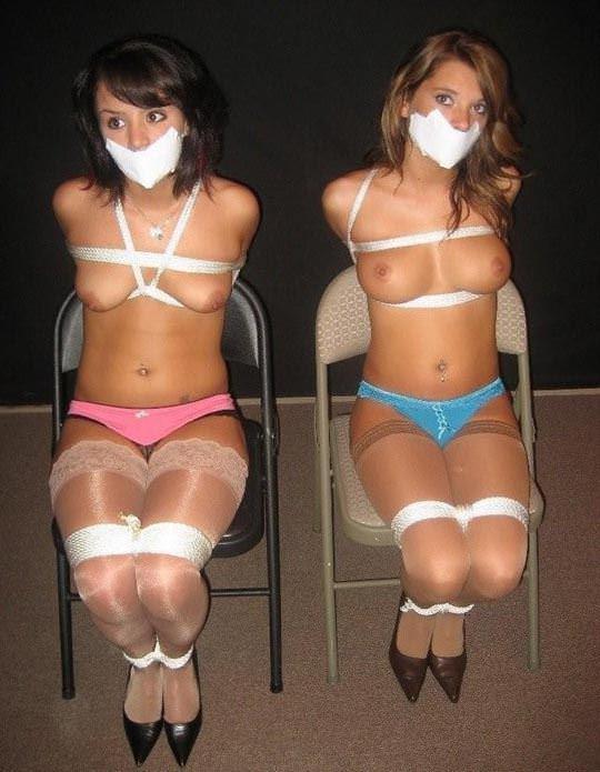 【外人】緊縛・拘束で調教される事に性的興奮を感じる海外美女のソフトSMポルノ画像 2250