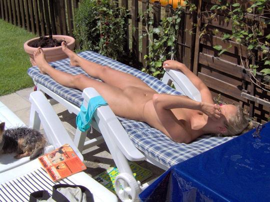 【外人】裸で居ることが大好きなヌーディスト達のアウトドアライフのポルノ画像 2266