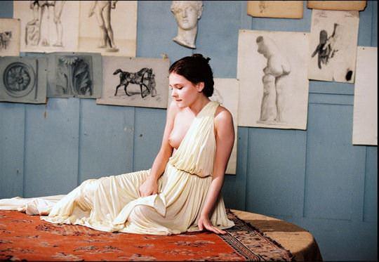 【外人】ロリ顔でめっちゃ可愛いフランス人女優のヴィルジニー・ルドワイヤン(Virginie Ledoyen)の若き日のおっぱいポルノ画像 2267