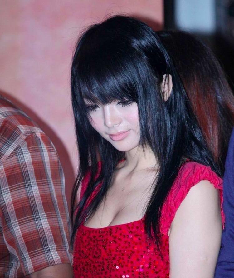【外人】中国人のセクシーコスプレーヤーのリ・リン(李玲 Li Ling)の手ぶらヌードがめちゃシコなポルノ画像 227