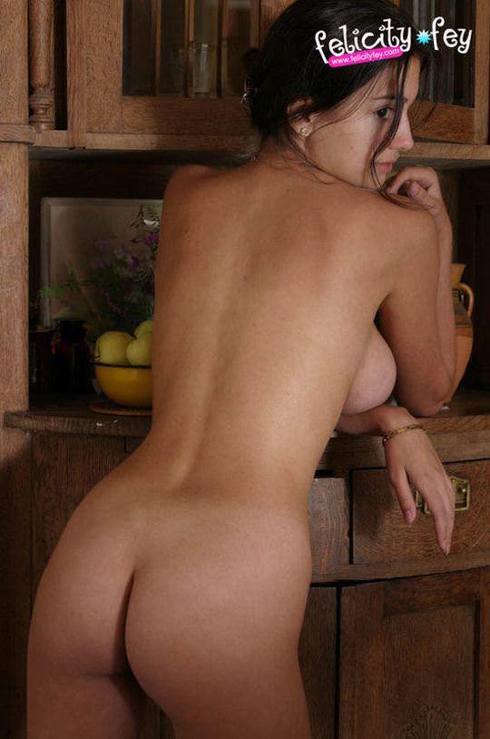 【外人】可愛さとDカップ巨乳おっぱいを兼ね備えたウクライナ最強の女神フェリシティ(Felicity Fey)のポルノ画像 2531
