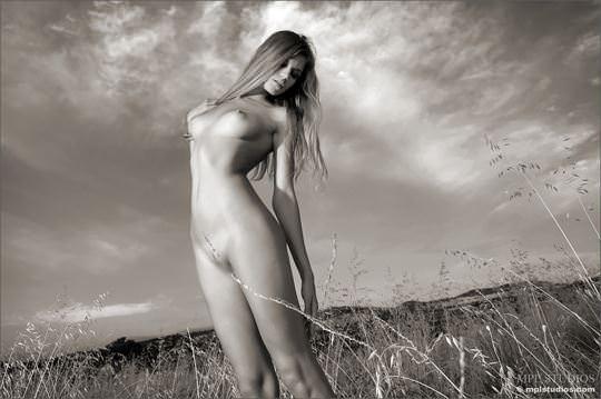 【外人】超絶人気のヌードモデルを集めたエロ可愛いポルノ画像 2546