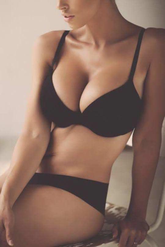 【外人】彼女たちの存在が美しいアートな海外美女達のセミヌードポルノ画像 2623