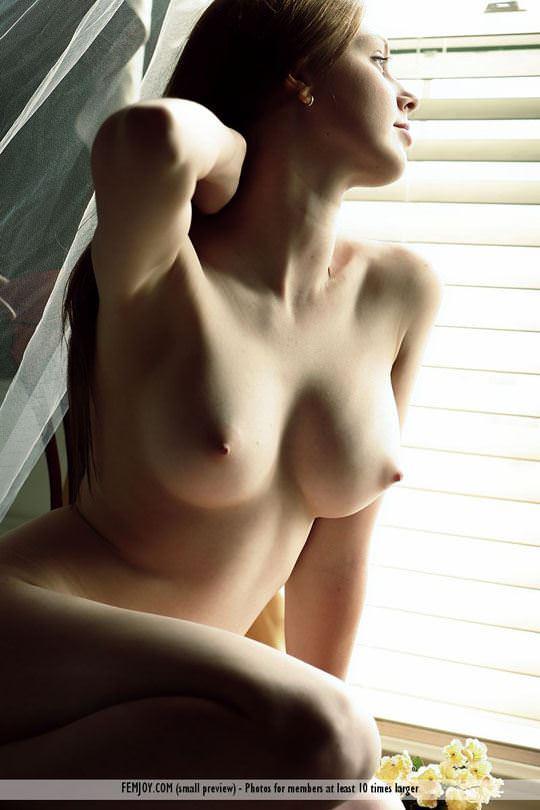 【外人】 処女のように美しいおっぱいを持つポーランドのミーガン(Megan)がヌード撮影してるポルノ画像 269
