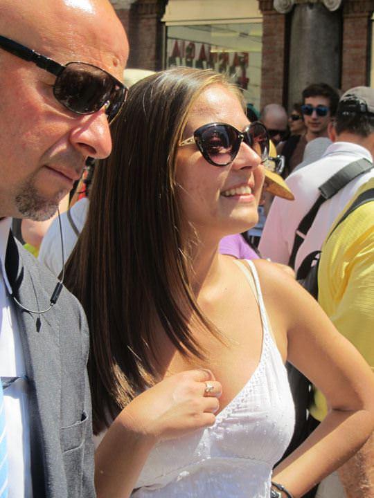 【外人】ローマで街撮りされちゃった女の子たちの着衣エロポルノ画像 271