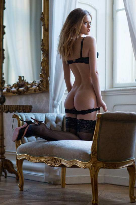 【外人】おっぱい腰お尻に掛けて女達の柔らかい曲線美がエロ過ぎるポルノ画像 2716