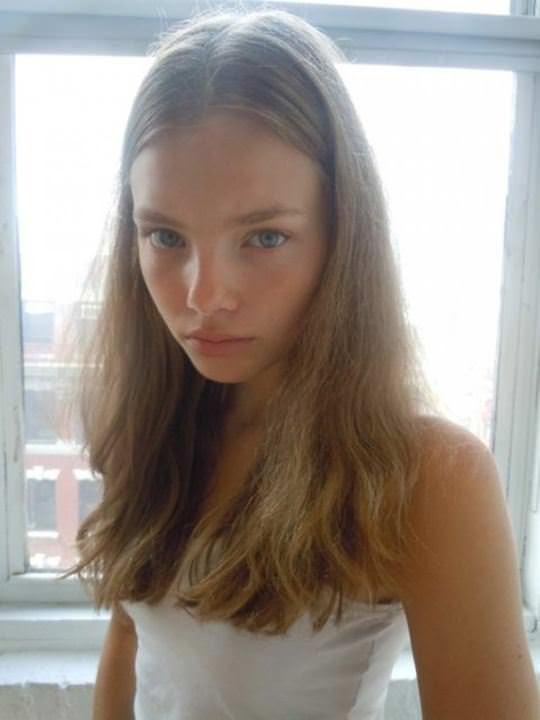 【外人】これぞ美少女顔なロリ娘クリスティン・フローセス(Kristine Froseth)のモデル写真ポルノ画像 2717