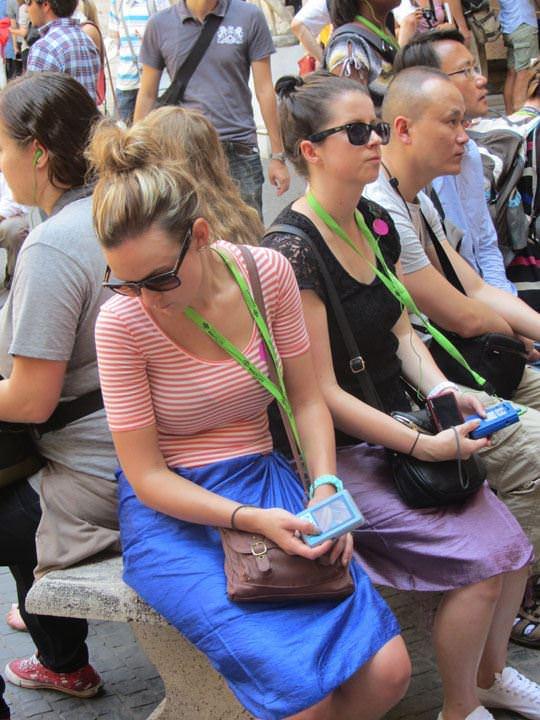 【外人】ローマで街撮りされちゃった女の子たちの着衣エロポルノ画像 28