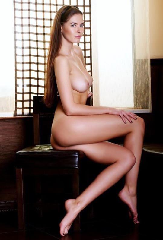 【外人】綺麗な赤毛を身に纏った美乳おっぱいヌードのポルノ画像 3144