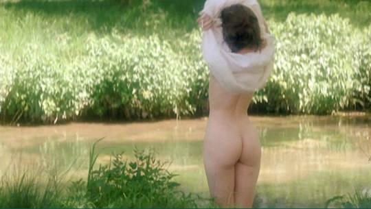 【外人】フランス人女優マリー・ジラン(Marie Gillain)が裸足のマリーで見せたおっぱいポルノ画像 3205