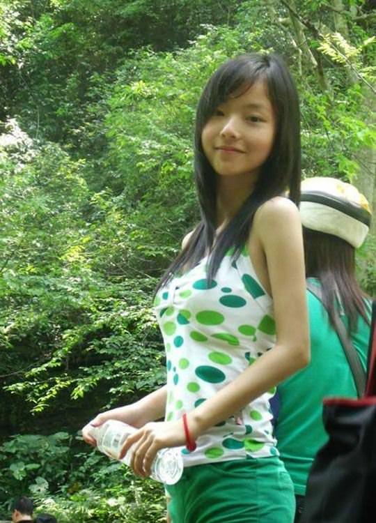 【外人】中国人の超絶美少女ひよこちゃんが童顔ロリ顔過ぎて26歳に見えないポルノ画像 3317