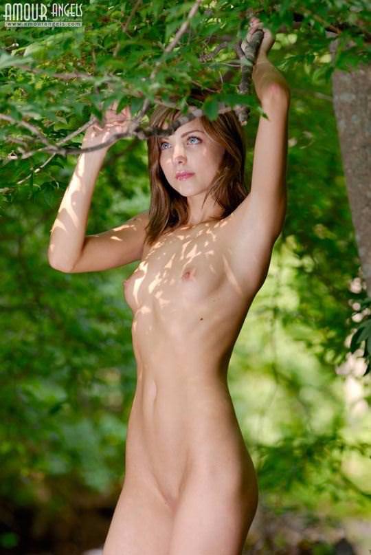 【外人】ロシアの貧乳ロリ洋ティーンのユリア(Yuliya)が可愛すぎるポルノ画像 336