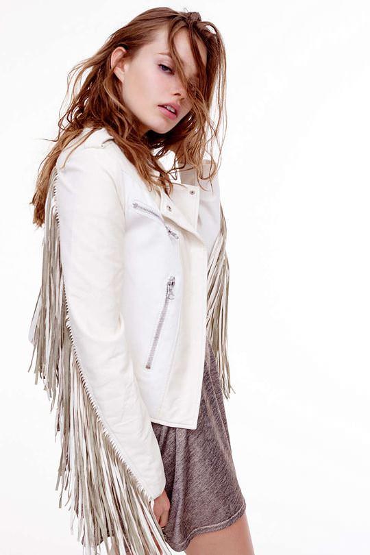 【外人】これぞ美少女顔なロリ娘クリスティン・フローセス(Kristine Froseth)のモデル写真ポルノ画像 3413
