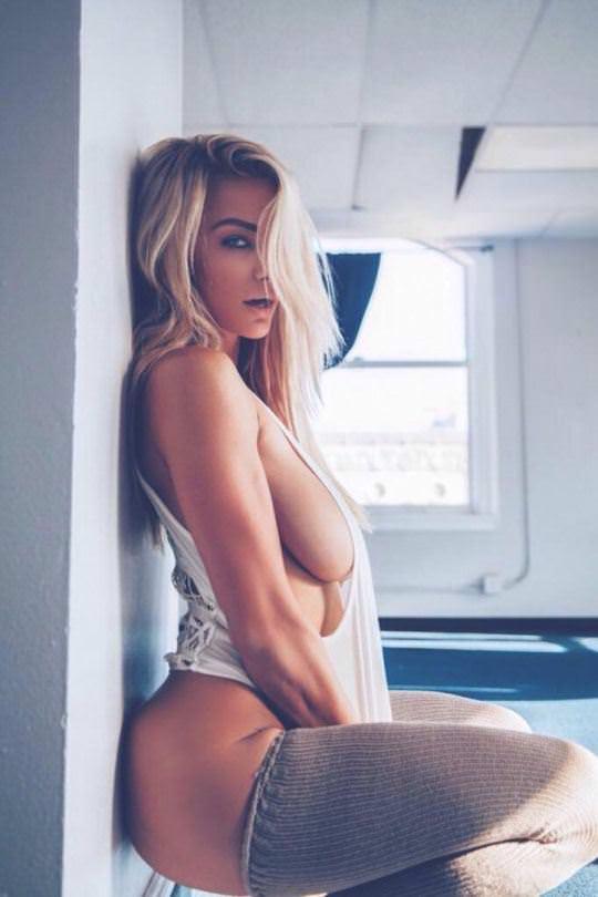 【外人】彼女たちの存在が美しいアートな海外美女達のセミヌードポルノ画像 3418