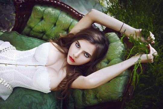 【外人】美しすぎるアメリカンモデルのアリナ·アリナイキーナ(Alina Aliluykina)のダイナマイトおっぱいポルノ画像 342