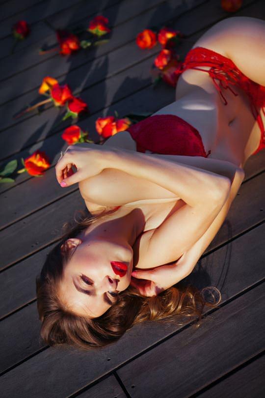 【外人】美しすぎるアメリカンモデルのアリナ·アリナイキーナ(Alina Aliluykina)のダイナマイトおっぱいポルノ画像 352