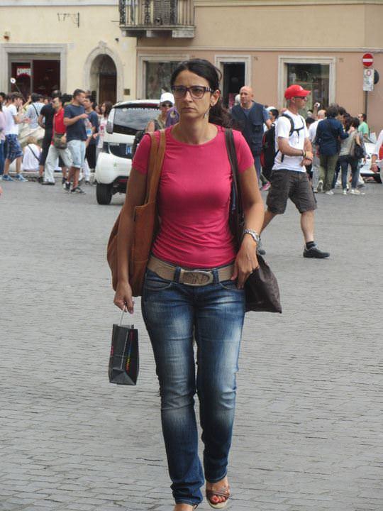 【外人】ローマで街撮りされちゃった女の子たちの着衣エロポルノ画像 36