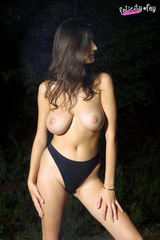【外人】可愛さとDカップ巨乳おっぱいを兼ね備えたウクライナ最強の女神フェリシティ(Felicity Fey)のポルノ画像 3717