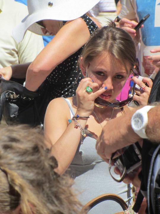 【外人】ローマで街撮りされちゃった女の子たちの着衣エロポルノ画像 38