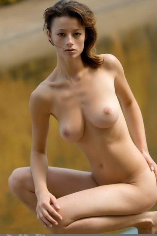 【外人】大自然と見事にマッチしてる巨乳おっぱいモデルのアナスタシア(Anastasia Gurtovaya)の野外露出ポルノ画像 3921