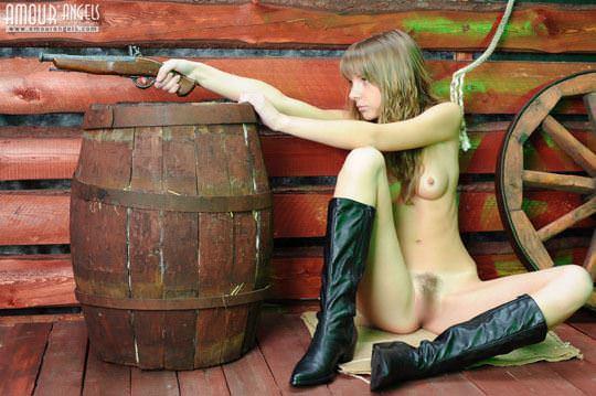 【外人】カウボーイのコスプレがめちゃ可愛いロシアン美少女のマン毛ヌードポルノ画像 410