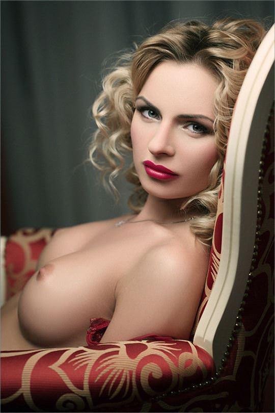 【外人】憧れのブロンド美女がエッチなおっぱいヌードを披露するポルノ画像 4101