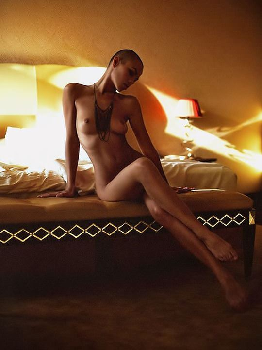 【外人】黒光りした裸体が神々しい黒人美女たちのセクシーおっぱいヌードポルノ画像 4102