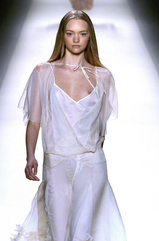 【外人】オーストラリア人モデルのドール顔ジェマ・ワード(Gemma Louise Ward)が貧乳おっぱい乳首チラポルノ画像 4104