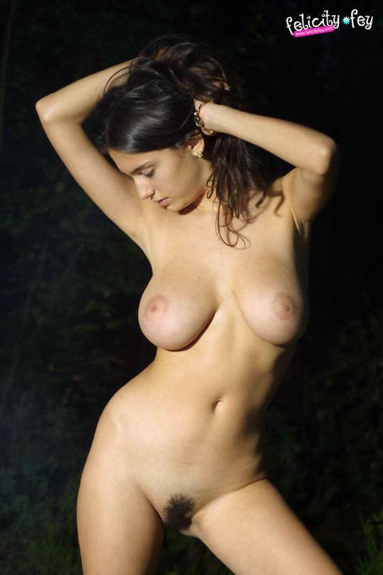 【外人】可愛さとDカップ巨乳おっぱいを兼ね備えたウクライナ最強の女神フェリシティ(Felicity Fey)のポルノ画像 4117