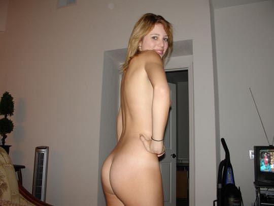 【外人】お父さんの趣味で全裸撮られてネット投稿された激カワ素人娘のポルノ画像 4118