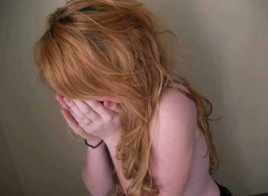 【外人】赤毛のロリ顔素人娘が半裸で自画撮りしてるポルノ画像 4151