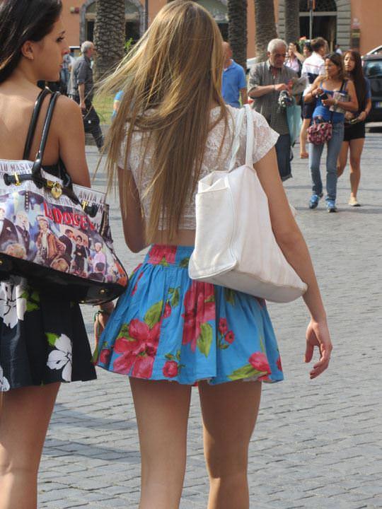 【外人】ローマで街撮りされちゃった女の子たちの着衣エロポルノ画像 421