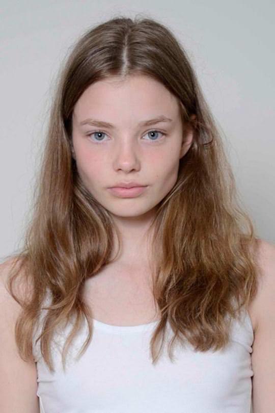 【外人】これぞ美少女顔なロリ娘クリスティン・フローセス(Kristine Froseth)のモデル写真ポルノ画像 476