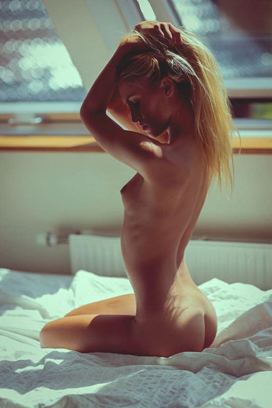 【外人】綺麗な赤毛を身に纏った美乳おっぱいヌードのポルノ画像 4810