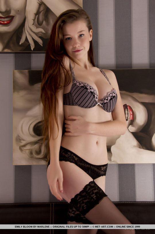 【外人】ウクライナが誇るめっちゃ綺麗なおわん型おっぱいのエミリー・ブルーム(Emily Bloom)のヌードポルノ画像 49