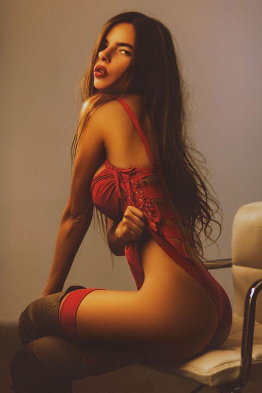 【外人】美しすぎるアメリカンモデルのアリナ·アリナイキーナ(Alina Aliluykina)のダイナマイトおっぱいポルノ画像 511