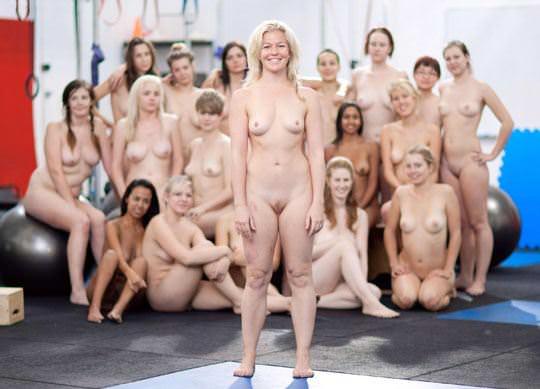 【外人】露出好きな美女が集まってはしゃいでるフルヌードポルノ画像 518