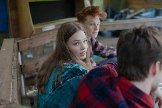 【外人】ロリータ顔のアメリカ人美少女モデルのクリスティン・フローセス(Kristine Froseth)が野外キャンプしてるポルノ画像 640