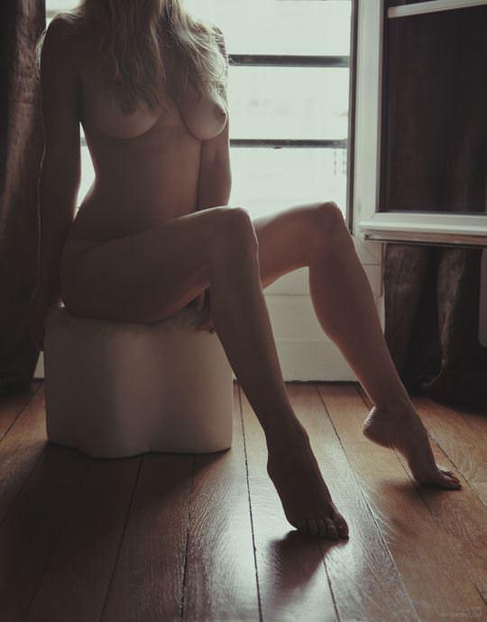 【外人】彼女たちの存在が美しいアートな海外美女達のセミヌードポルノ画像 660