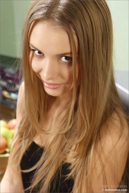 【外人】ロシアン美少女ティアーナ(Tianna)の巨乳おっぱいポルノ画像 661
