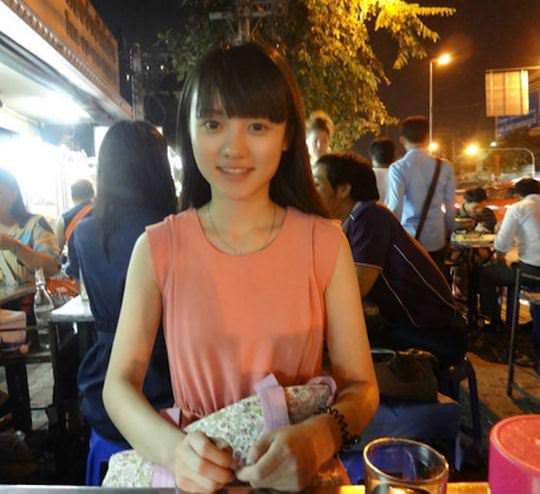 【外人】中国人ブロガーの美少女の旅行中の素人ポルノ画像 7114