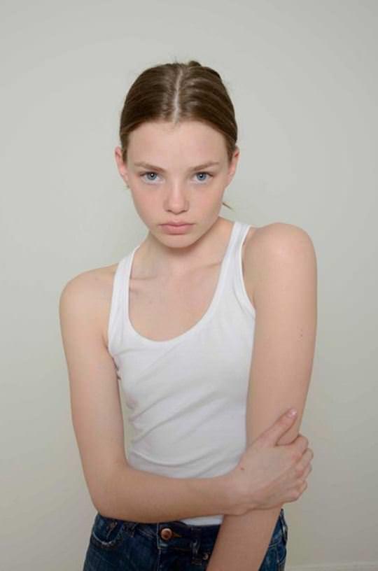 【外人】これぞ美少女顔なロリ娘クリスティン・フローセス(Kristine Froseth)のモデル写真ポルノ画像 745