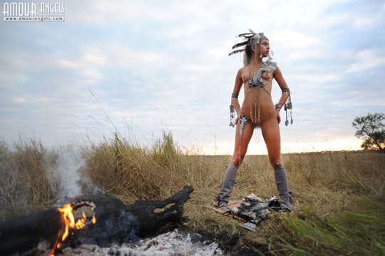 【外人】野性味あふれる美少女戦士すんな(Sunna)がおまんこパックリ野外露出コスプレしてるポルノ画像 749