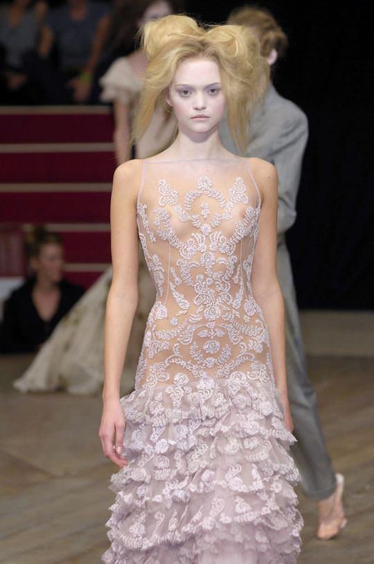 【外人】オーストラリア人モデルのドール顔ジェマ・ワード(Gemma Louise Ward)が貧乳おっぱい乳首チラポルノ画像 769