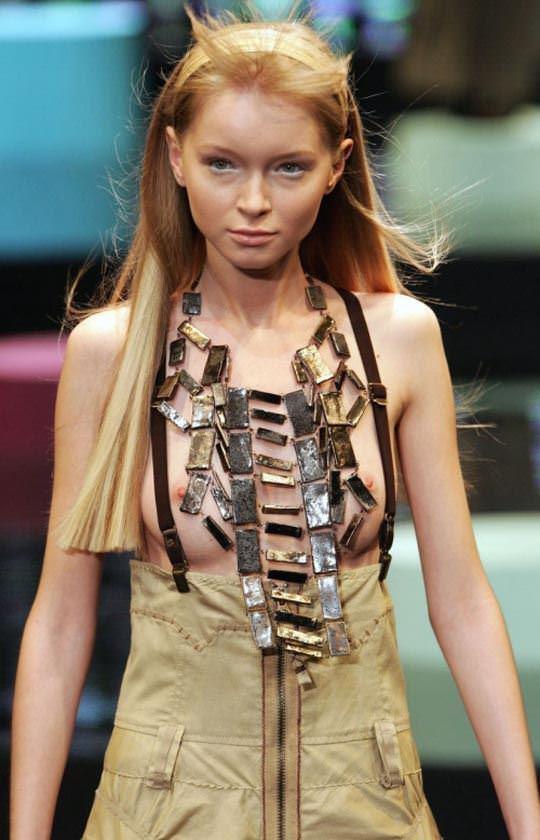【外人】ファッションショーはやたらと乳首を露出したがるポルノ画像 788