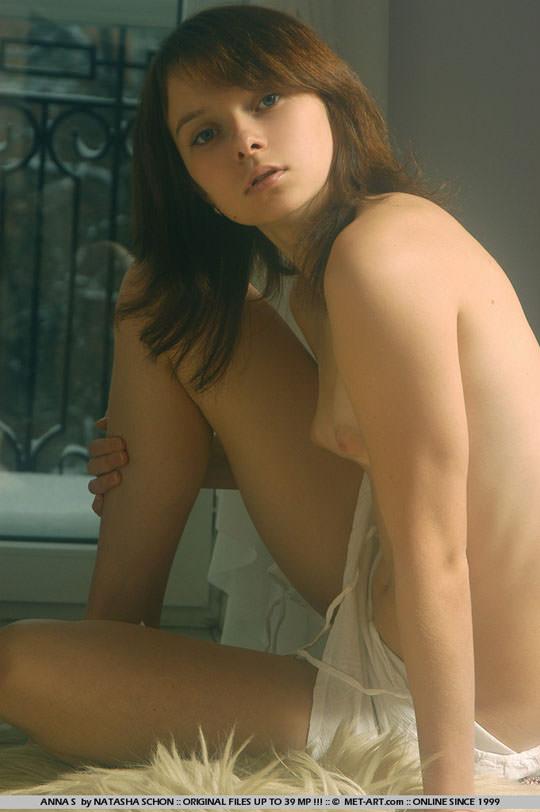 【外人】ロリ顔半端ないアンナ(Anna S)の天使のようなヘアヌードポルノ画像 829