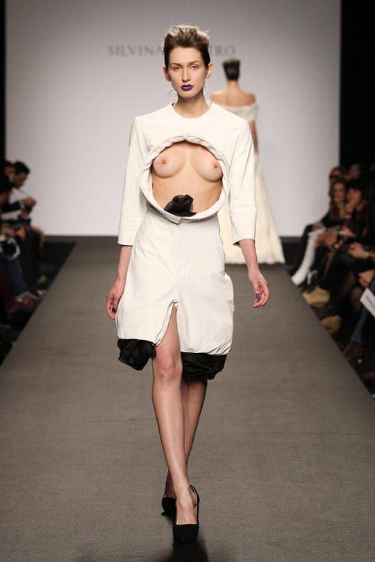 【外人】ファッションショーはやたらと乳首を露出したがるポルノ画像 879