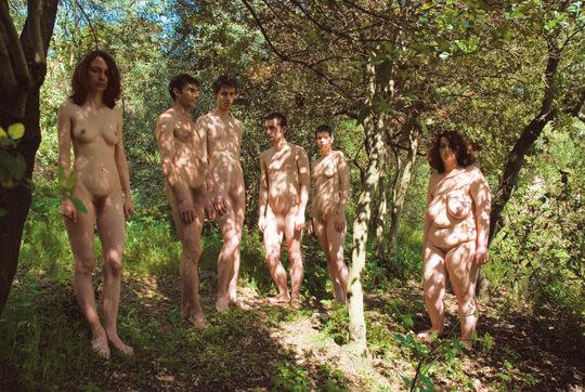 【外人】裸で居ることが大好きなヌーディスト達のアウトドアライフのポルノ画像 898